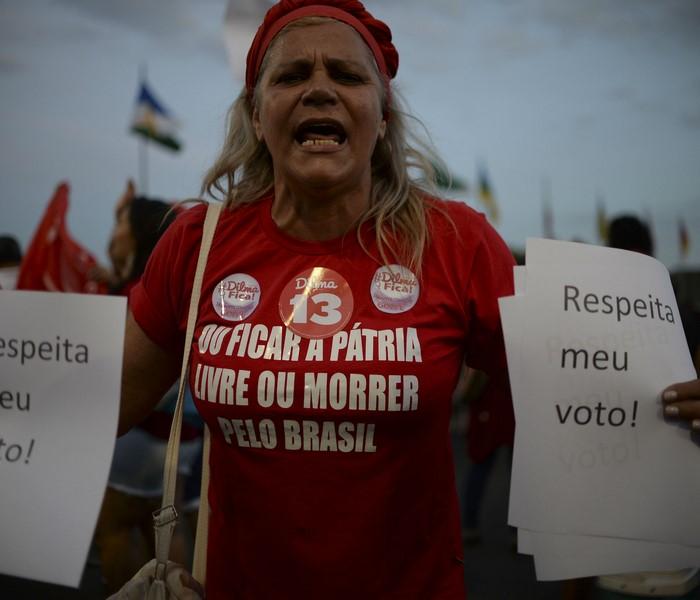 Dilma Brasil manifestantes